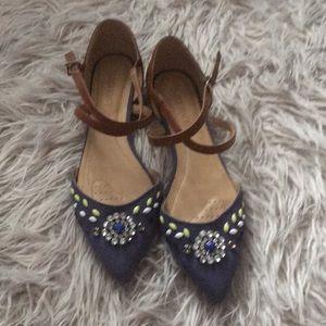 Shoes - Ellen Tracy flats